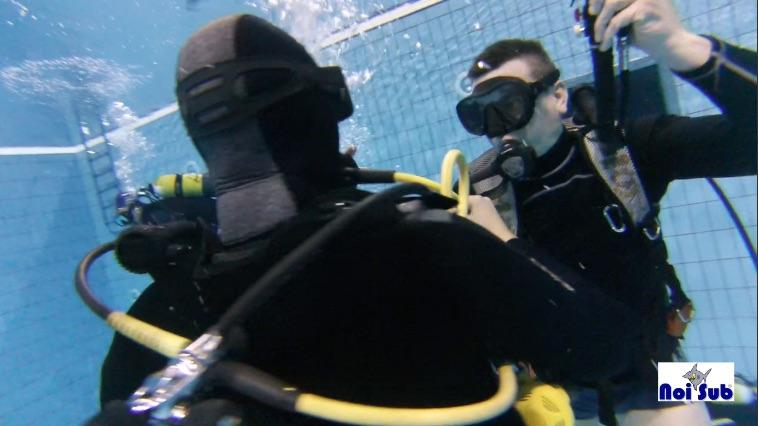 Corsi di subacquea presso la piscina comunale di chivasso - Piscina comunale livorno corsi acquagym ...